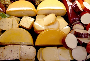 cut the cheese for healthy teeth 300x203 Cutting the Cheese is Good for Our Teeth...